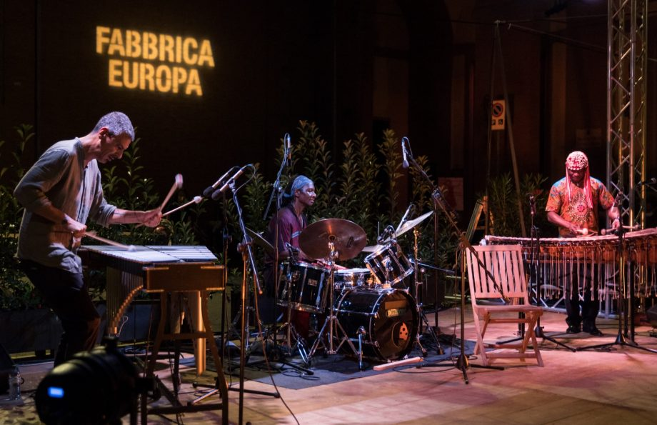 Aly Keita | Hamid Drake | Pasquale Mirrain concertoFabbrica Europa 2020