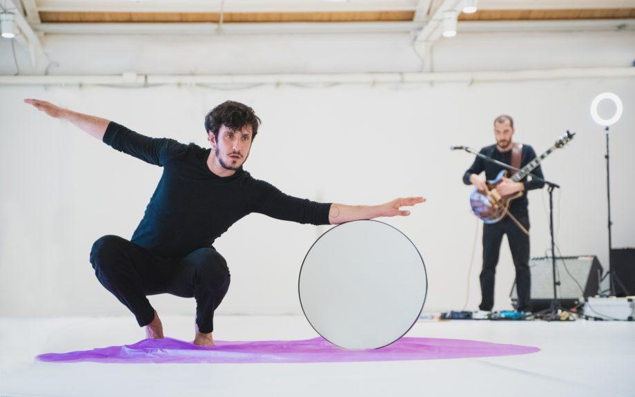 Davide ValrossoCinque danze per il futuro· Residenza ·